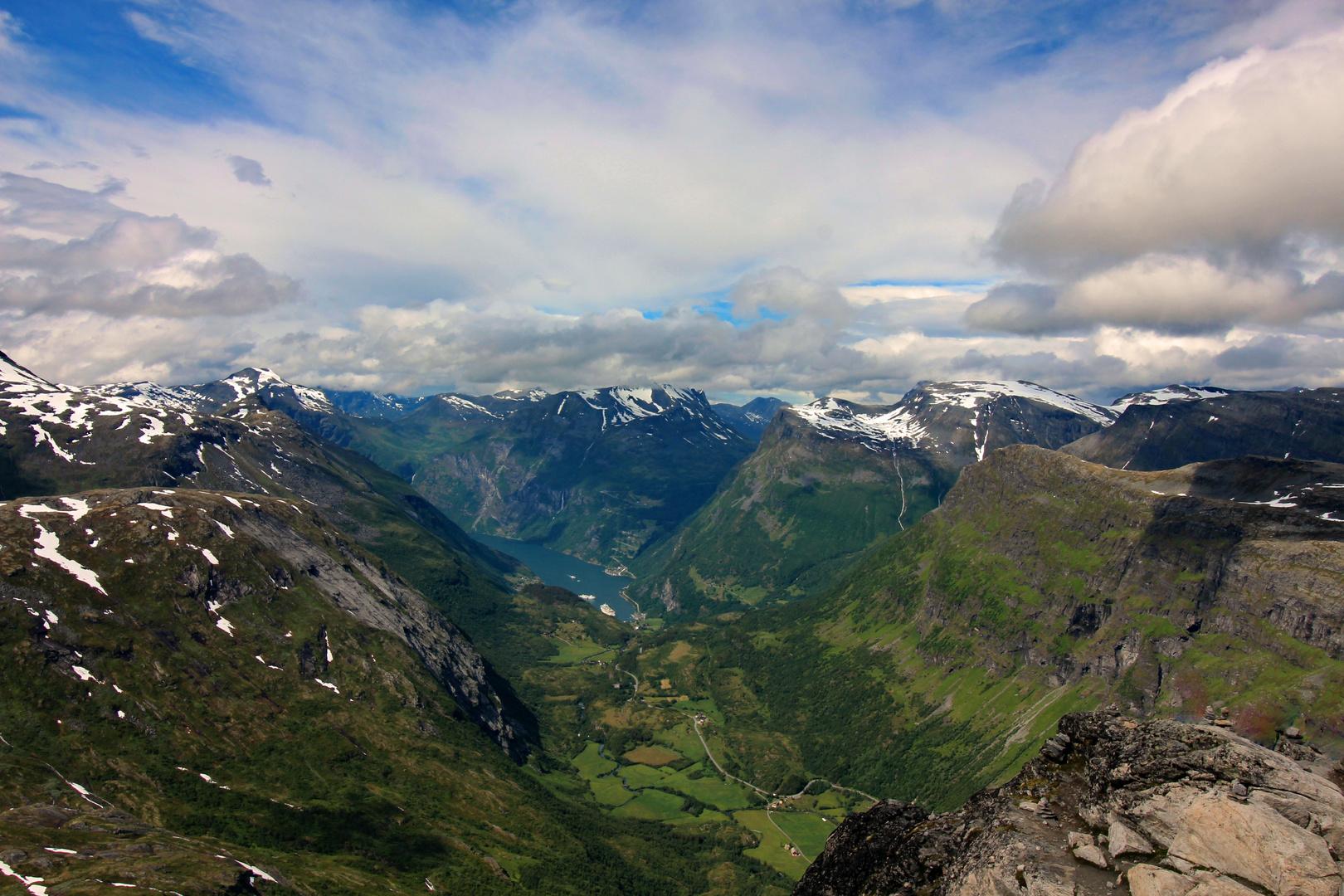 Hoch über dem Geringer Fjord