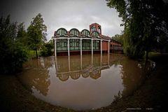 Hochwasser .........