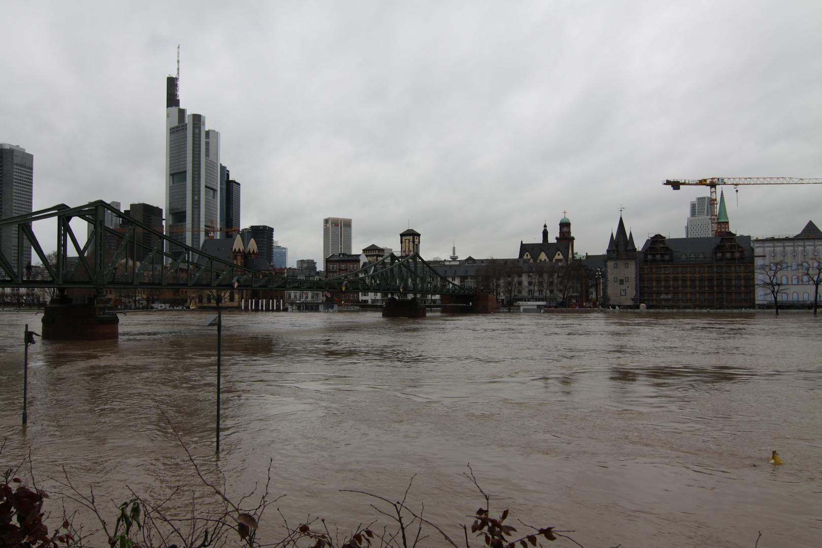Hochwasser Eisernersteg in Frankfurt am (im) Main