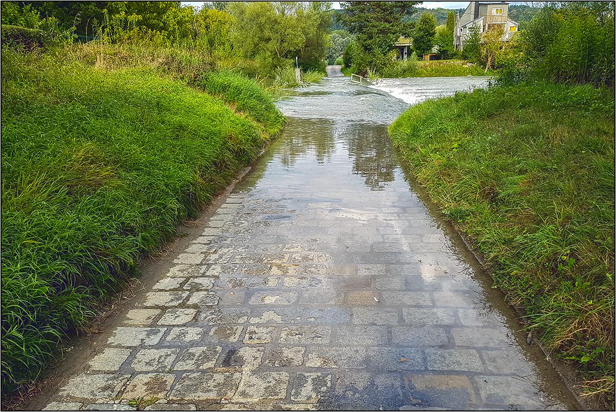 Hochwasser-Spiegel(ung)