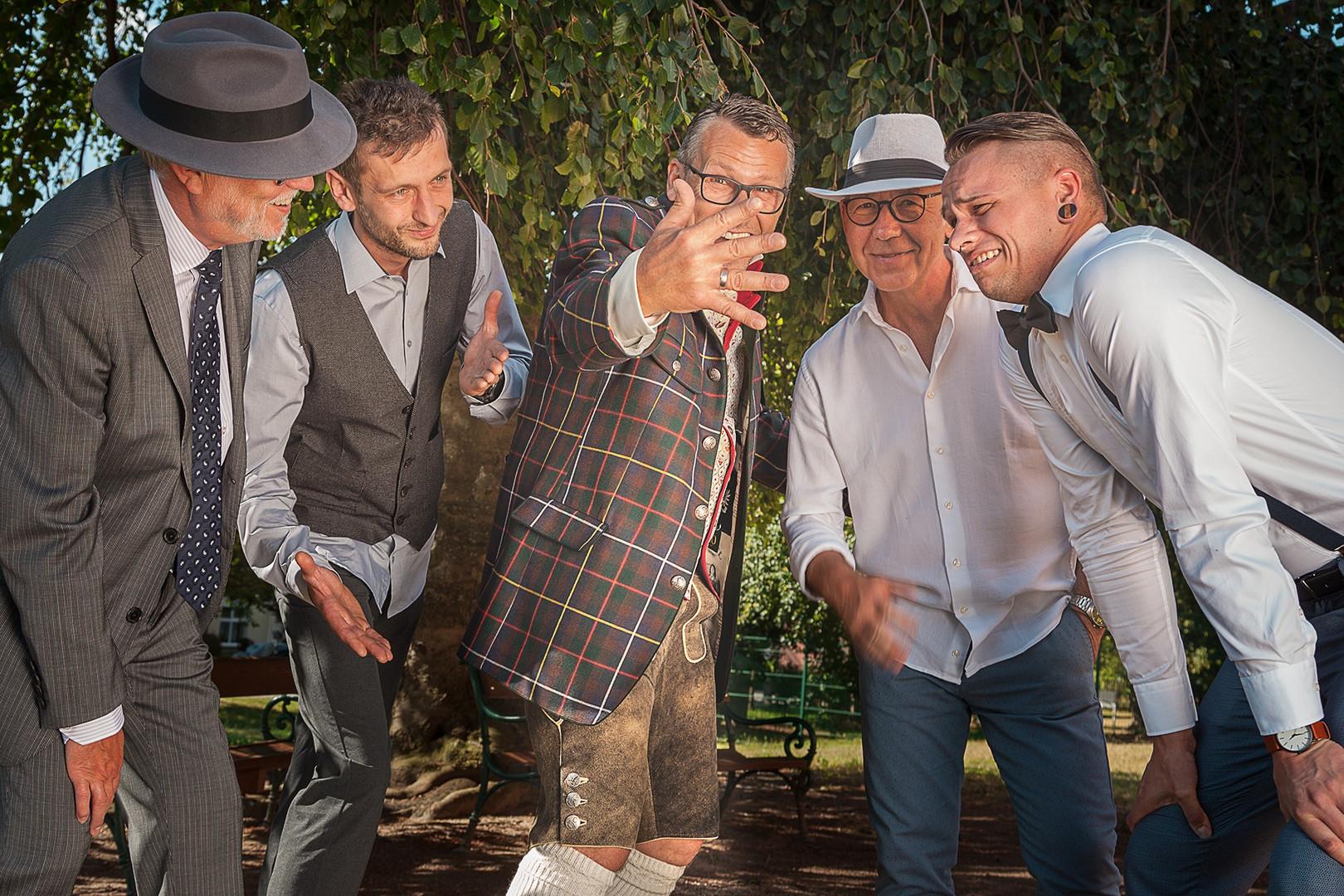 Hochzeitsfeier In Dahme Mark Mit Osterreichischer Tradition Photo