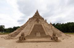 Höchste Sandburg der Welt _ Sand-Skulpturen-Festival Binz 2019