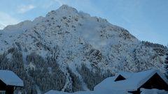 Höfle19 Lawinen mehrere Sprengungen am Berg Widderstein