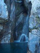 Höhlenwasserfall