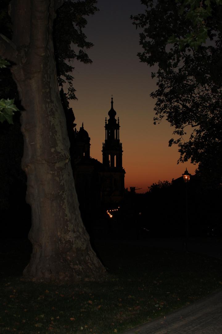 Hofkirche im Abendrot