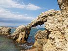 Hohler Fels am Strand bei l Escala