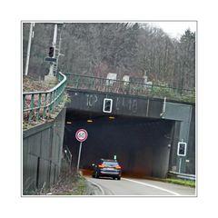 hole in a mountian (through Kiesberg tunnel)