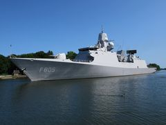 Holländische Fregatte EVERTSEN F 805