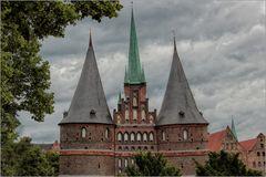 Holstentor mit drei Türmen