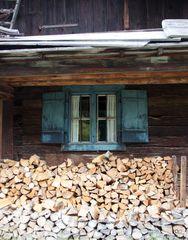 Holz vor da Hüttn...