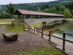 Holzbrücke über der Nagoldtalsperre (Nähe Seewald-Erzgrube)