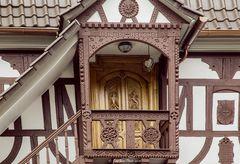 Holzintarsienarbeiten am Fachwerkhaus in Dörrenbach