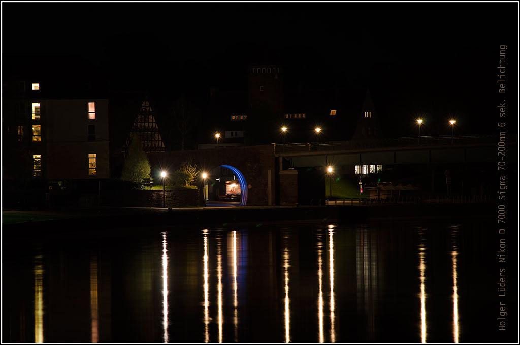 Holzminden bei Nacht Weserufer