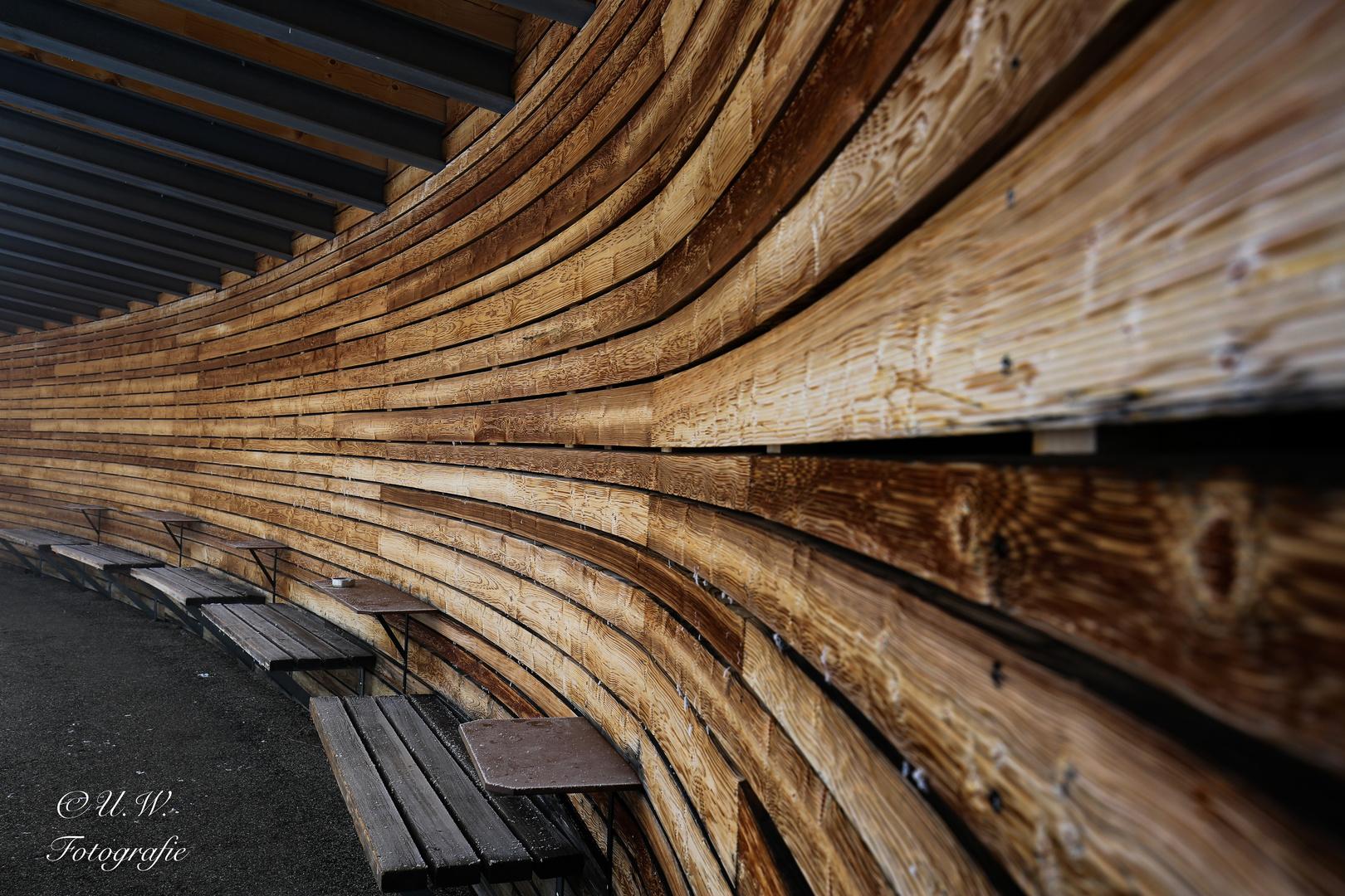 Holzwand foto bild stillleben holzfiguren natur bilder auf fotocommunity - Holzwand innen ...