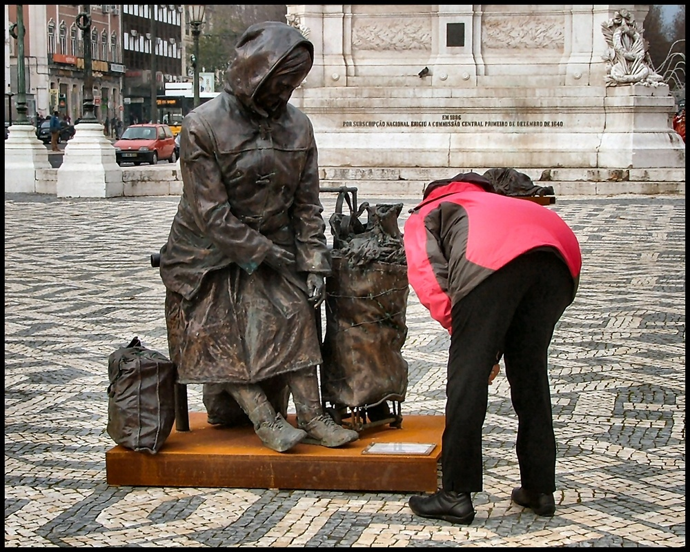 Homeless sculpture in bronze life-size