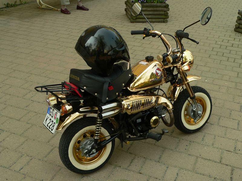 honda monkey in gold foto bild autos zweir der. Black Bedroom Furniture Sets. Home Design Ideas
