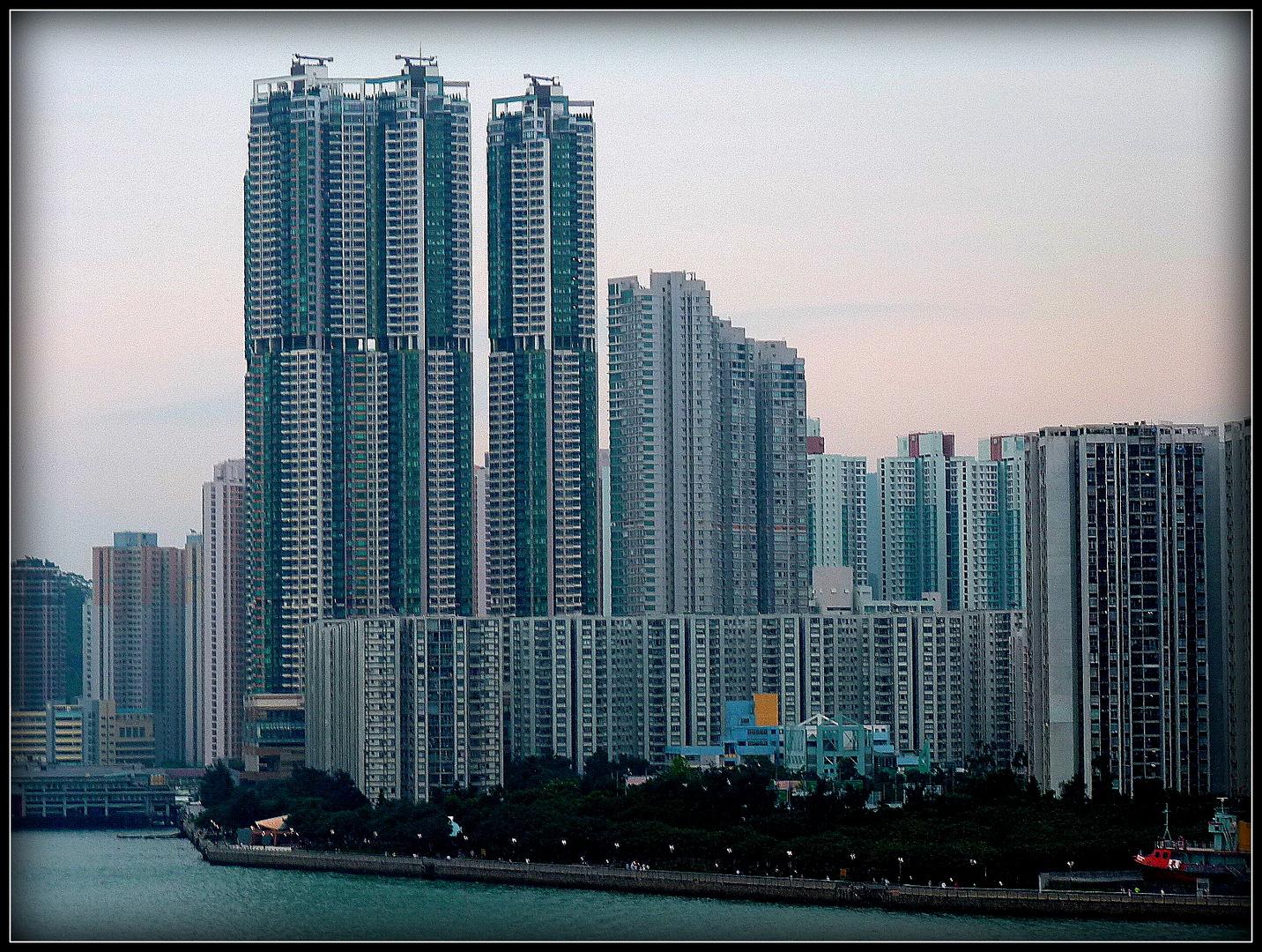 HONG - KONG - 5 -