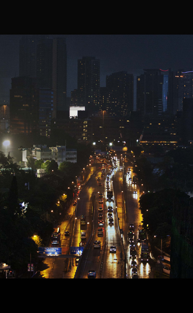 hong kong at night 6pm