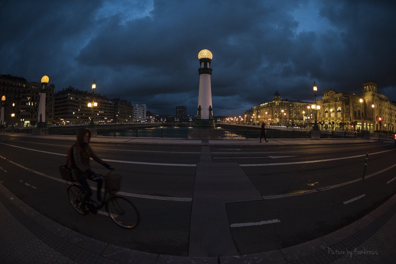 Hora azul en San Sebastián