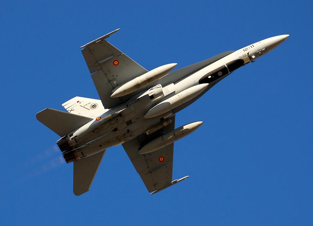 Hornet F-18 C15-53 / 12-11