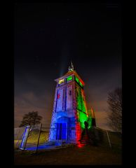 Hostenbergturm  in neuem Licht