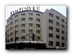 Hotel ...