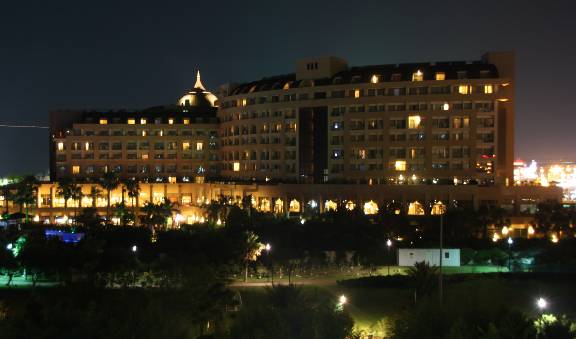 Hotel bei Nacht,Türkei Lara 2012