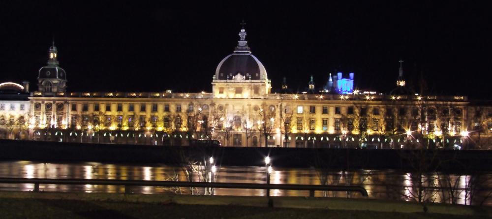 Hôtel Dieu de Lyon pendant la fête des lumières