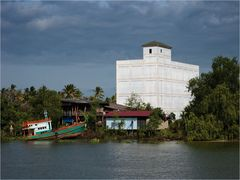 Hotel Riverview in Surat Thani