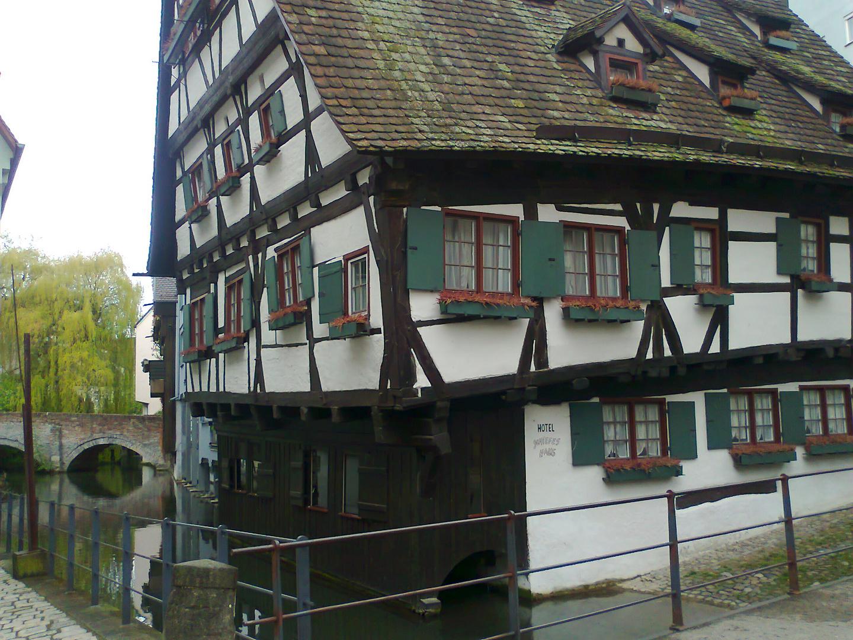 Hotel schiefes Haus Ulm Foto & Bild
