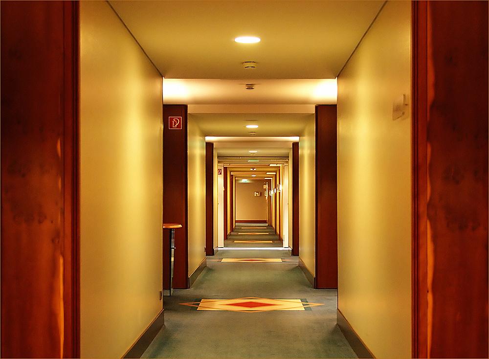 Hotelflur-Geometrie