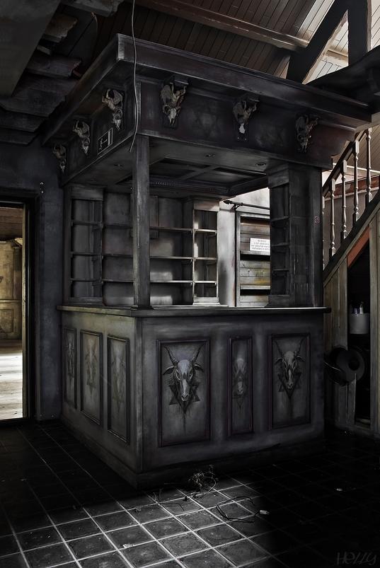 House of Skulls ~ No.6