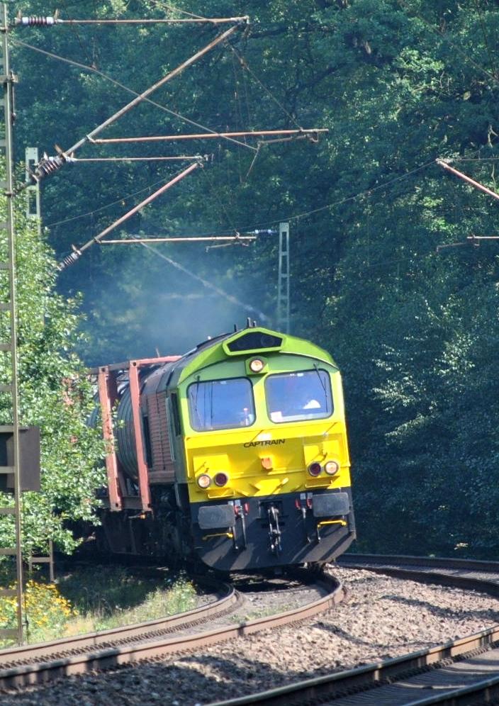 Hoyer-Zug mit Captrain PB05 (6609)