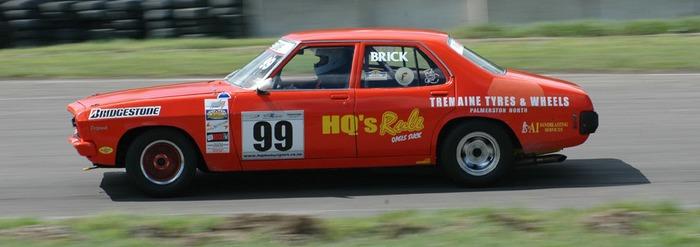 HQ racing at Manfield