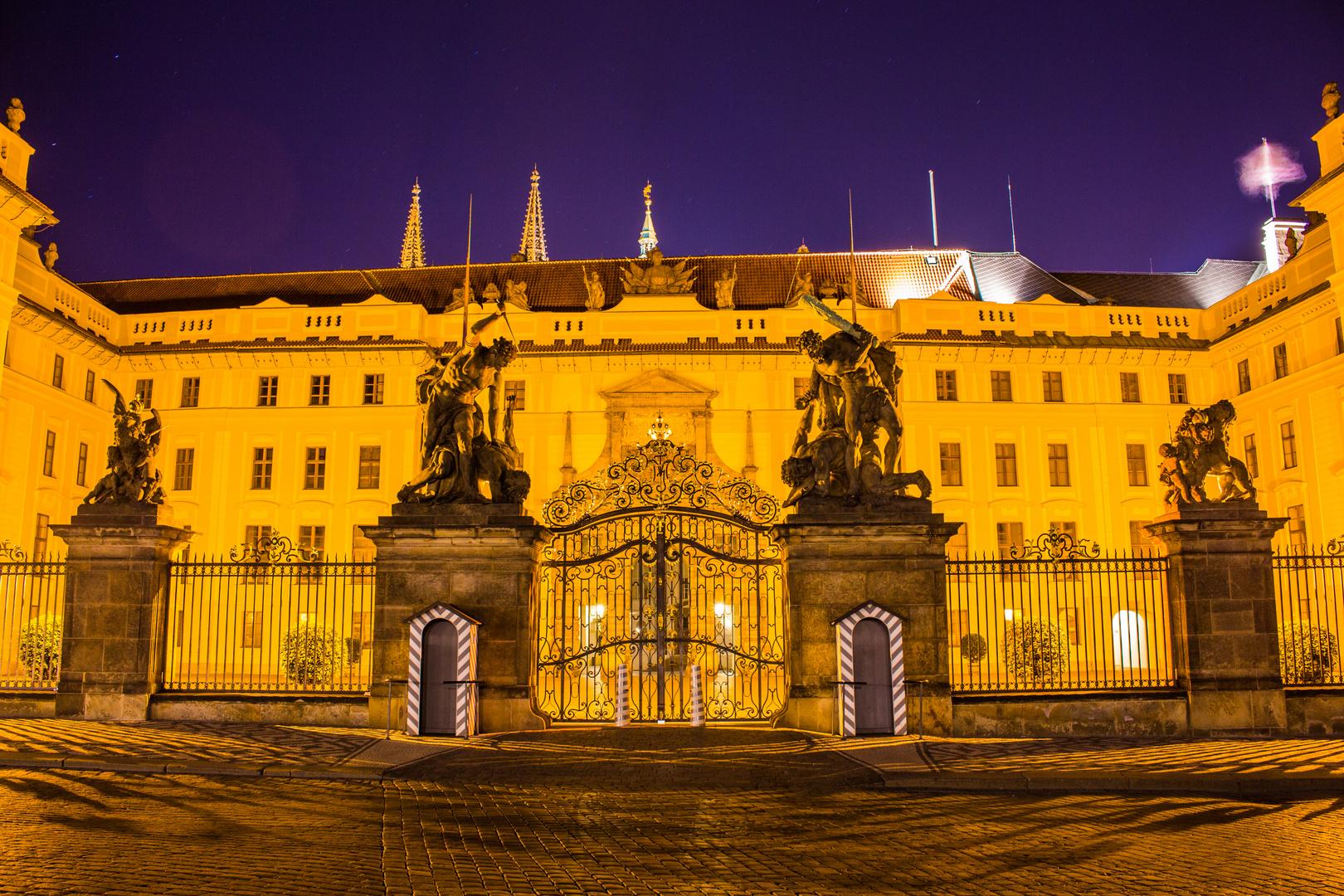 Hradschin Prag bei Nacht