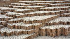 Huaca Pucllana 3 - Die Bausteine der Pyramide