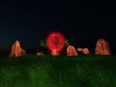 Hünengrab bei Nacht