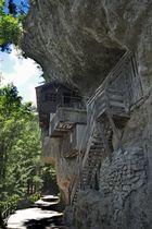 Hütte in Fels
