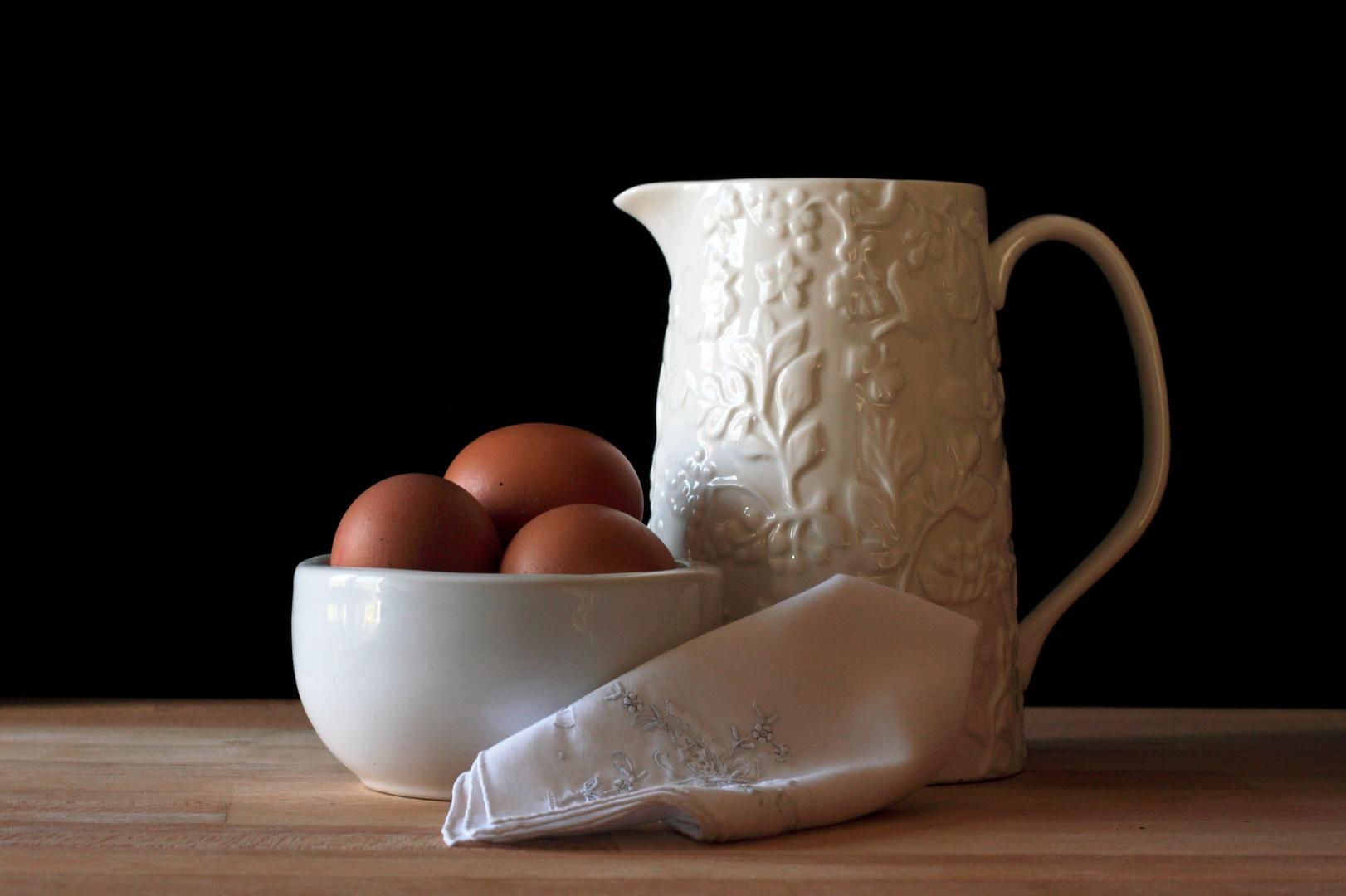 huevos y jarra