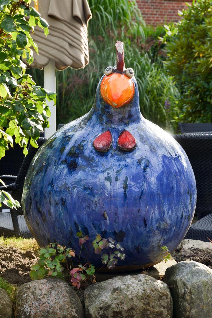 Huhn aus ton foto bild deutschland europe schleswig for Gartenskulpturen aus ton
