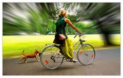 Hund und Frauchen aktiv unterwegs