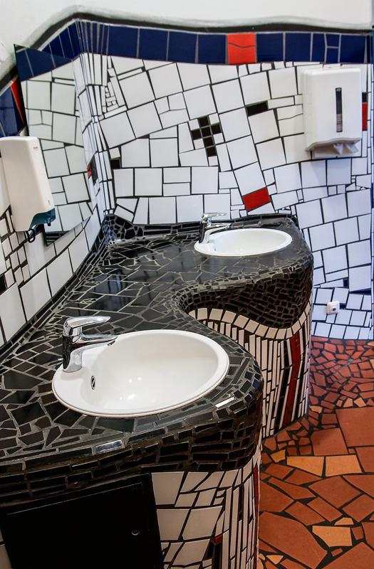 Hundertwasser Bhf Uelzen 9