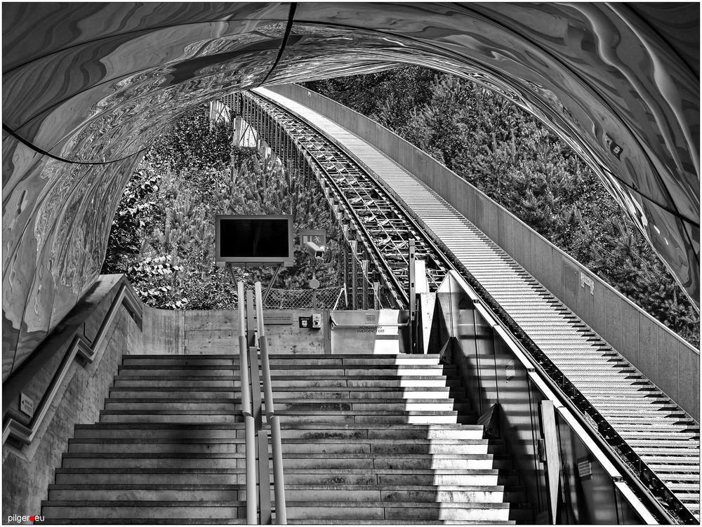 Hungerburgbahn, Station Alpenzoo