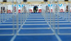 hurdles start