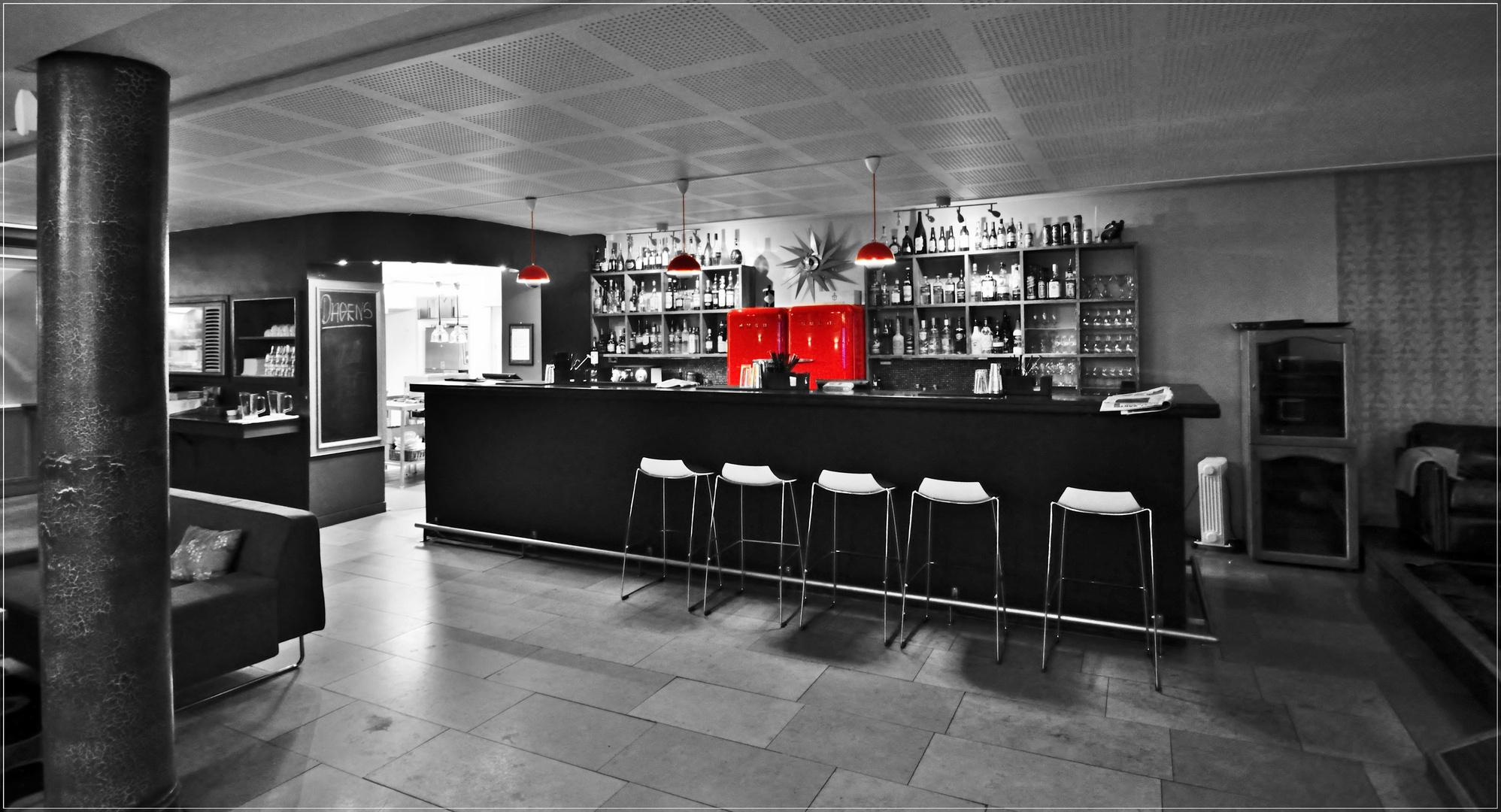 Huset`s Bar