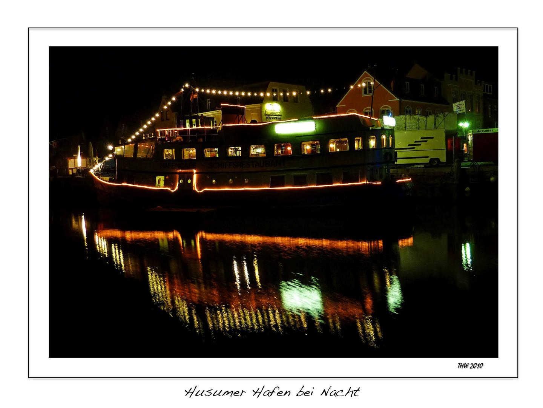 Husumer Hafen bei Nacht