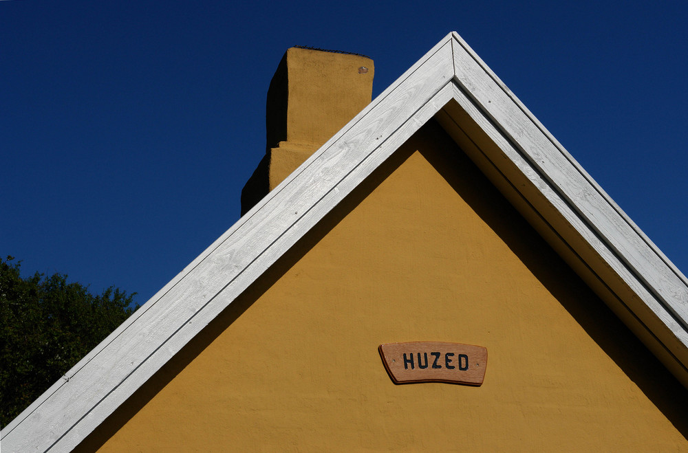 """ Huzed """
