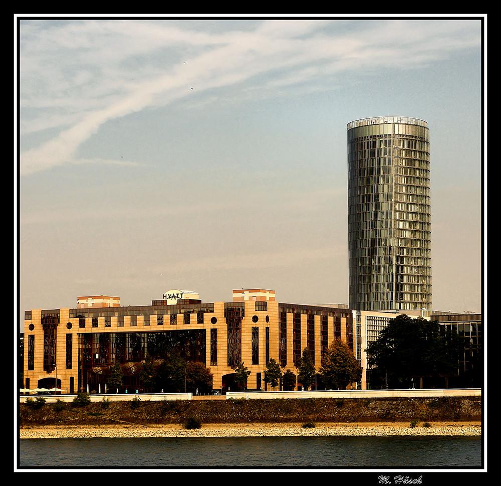 Hyatt Hotel und LVR Turm