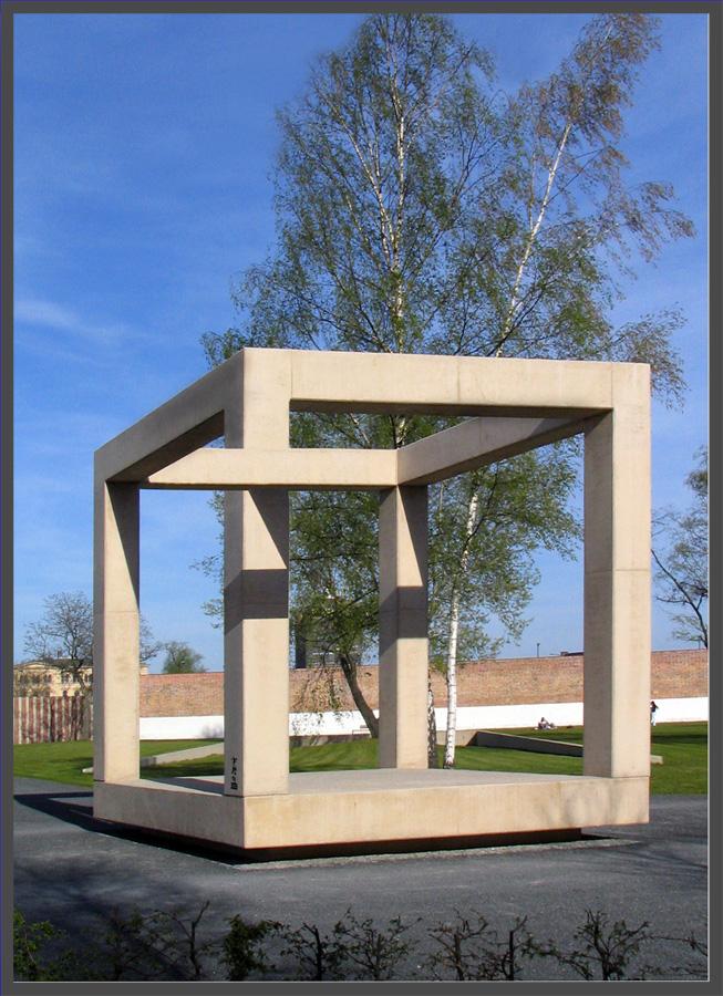 "I buy the new ""Escher-Objectiv""..."