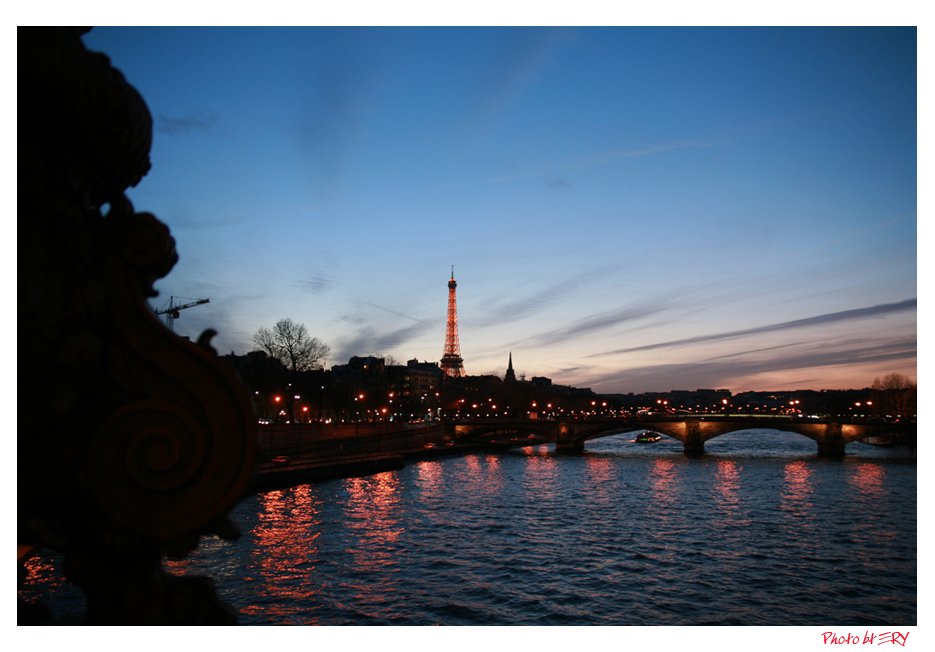 ...i colori del tramonto di Parigi
